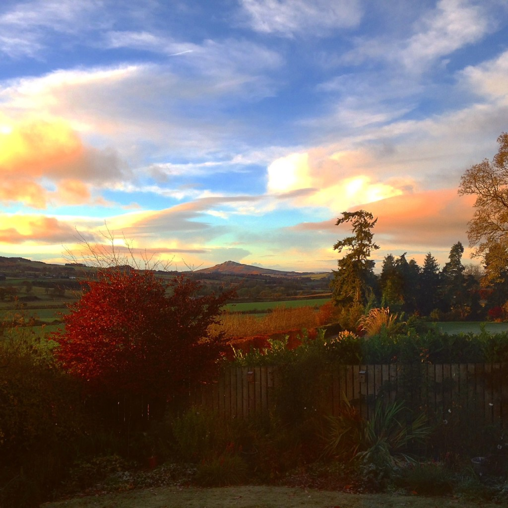 creative writing retreats scotland Autumn creative writing retreat ireland 12th – 14th october 2018 unblock your creativity, build focus and vision for your writing on aurora writers.