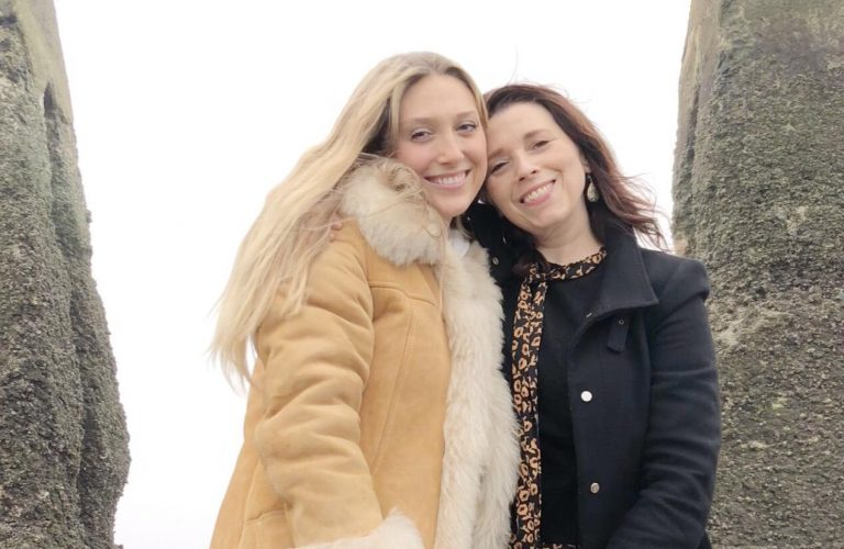 noelle-and-lizzie-winter-moon-circle